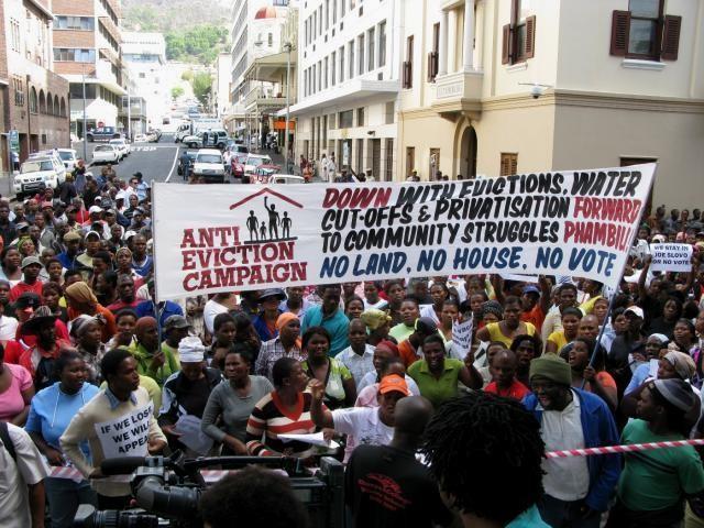 Protester imod fattigdom i dagens Sydafrika