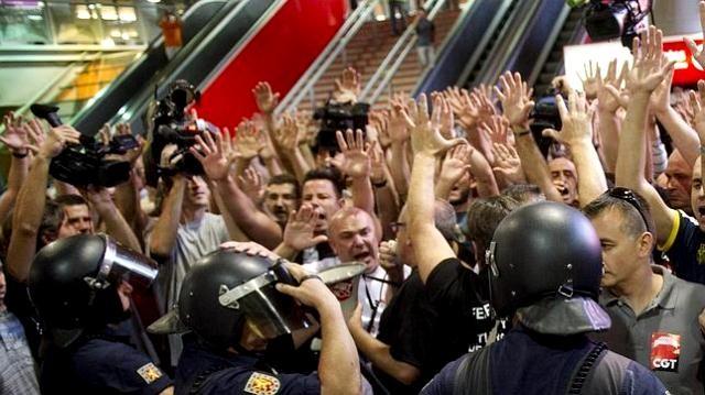 SAT og den anarkosyndikalistiske CGT i fælles demo
