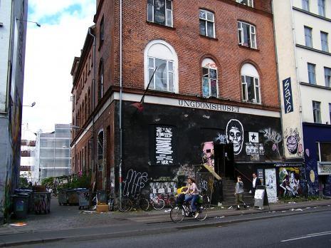 København, Jagtvej 69: Det nu smadrede Ungdomshus omkring 2006