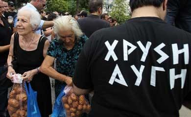 Chrysi Avgi fordeler fødevarer til grækere