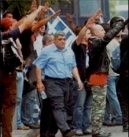 "Medlemmer af fascistpartiet ""Chrysi Avgi"""