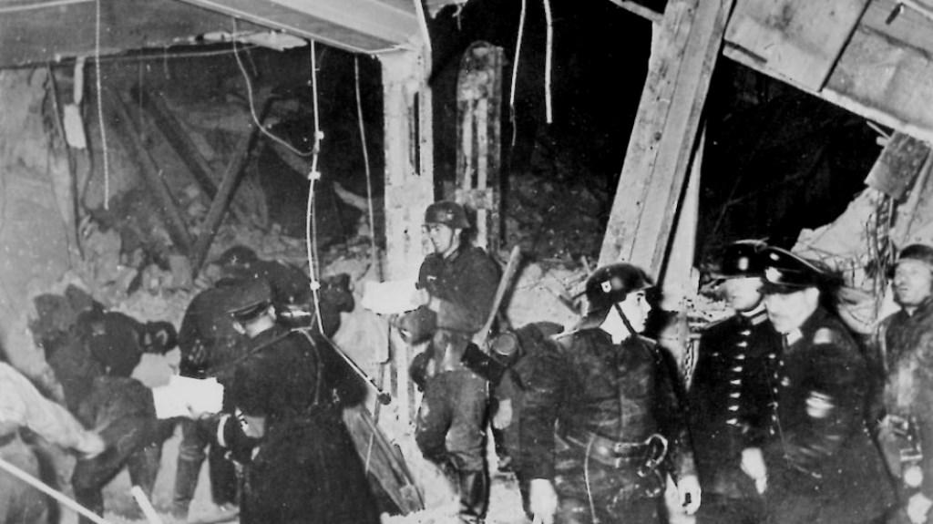 """Værtshuset """"Bürgerbräukeller"""" i München efter bombesprængningen"""