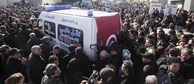 Omkring 1,4 millioner deltog i begravelsen af Chokri Belaïd i Tunis, d. 8. februar 2013