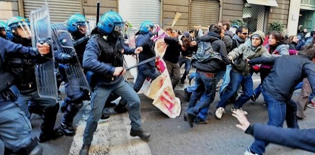Brutal politi-indsats i Rom, den 14. november 2012