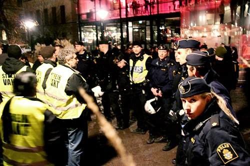 """Maj / juni 2010: SAC-blokaden mod restaurations-og diskostedet """"Berns"""" i Stockholms indre by"""