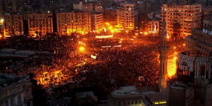 Tahrir pladsen den 28. januar 2011. Kæmpedemonstrationer er mundet ud i politiske generalstrejker og antyder overgangen fra revolte til en veritabel revolution