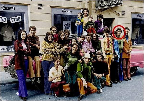 Bin Laden - familien på besøg i Sverige i 1971 (Osama Bin Laden markeret)