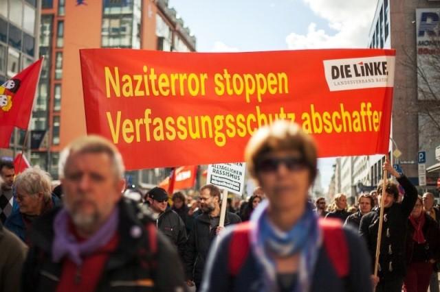 Titusinder i antiracistisk demo i München op til retssagen mod NSU
