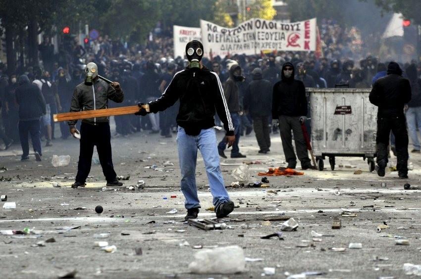 den venstreradikale blok (anarkister, trotskister, syndikalister, ...)