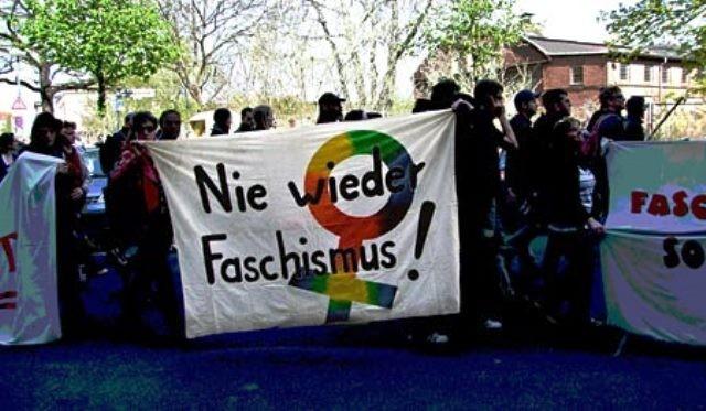 Antifademo i Berlin om formiddagen med omkring 5000 deltagere