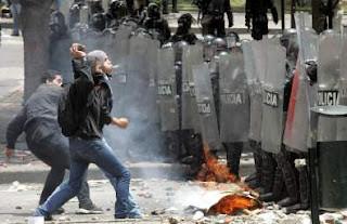 Kampe ml. studenter og politi i Bogota
