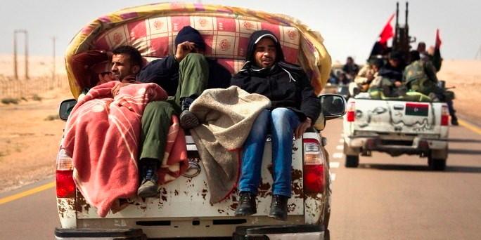 Oprørerne strømmer fra alle sider til Tripoli