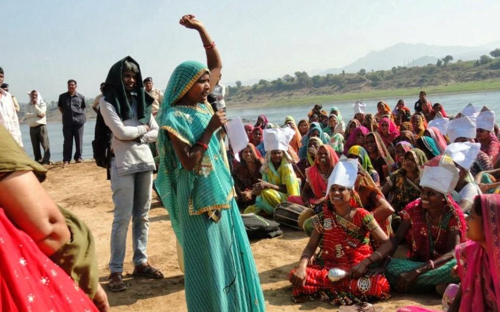 Protester mod Verdensbanken i Indien i forbundsstaten Gujarat