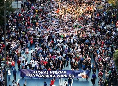 Titusinder demonstrerede den 22.oktober 2011 i Bilbao for et uafhængigt Baskerland