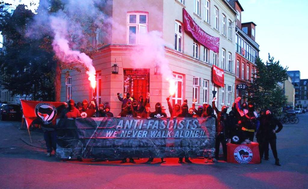 København, foran BumZen