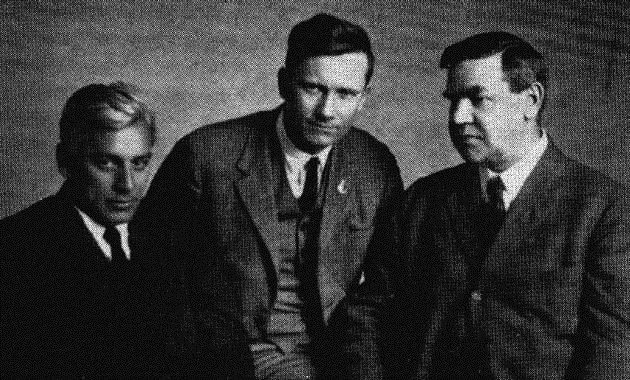Amerikanske delegerede: Max Eastman (tv.), James P. Cannon (i midten), Big Bill Haywood (th.)