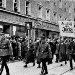 Jøder i den bayriske by Regensburg deporteres til kz-lejren Dachau