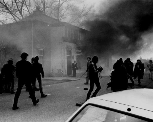 Autonome antifascister angreb hotellet i landsbyen Kedichem, hvor de to højreekstremistiske partier den 29. marts 1986 forhandlede om en sammenslutning. Dette gik så i vasken.
