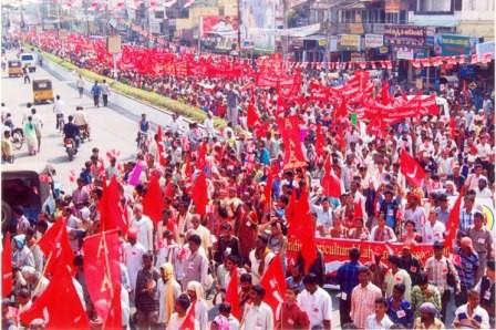 Maoistisk bondefagforening demonstrerer mod regeringen i Andra Pradesh - provinsen