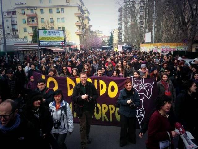 8.marts demo i Rom