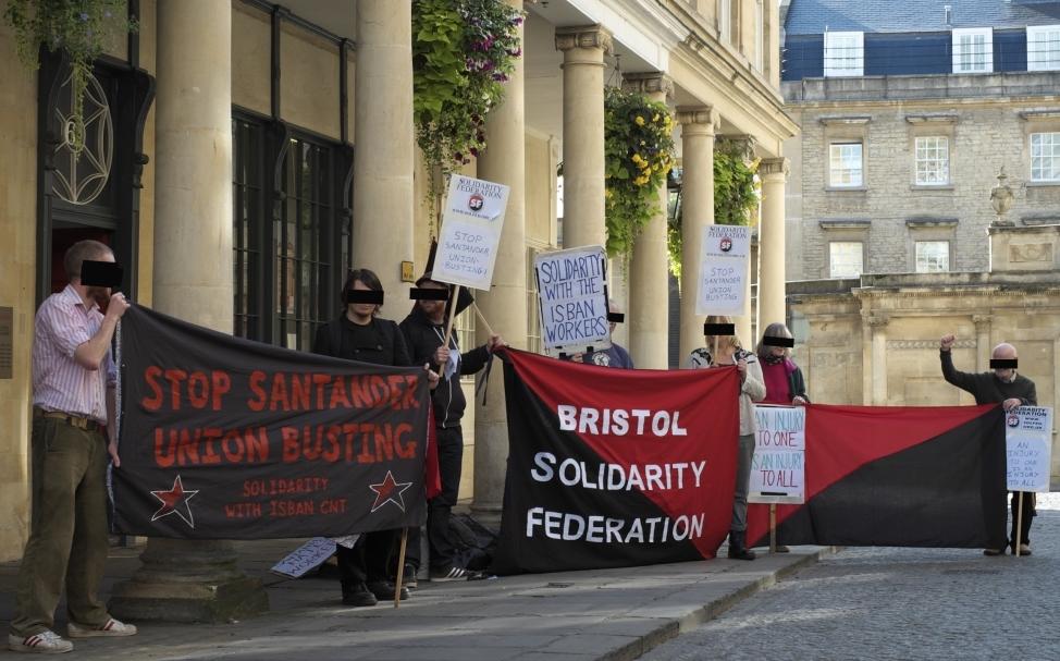 Blokadaktion mod Santander Bank i Bristol