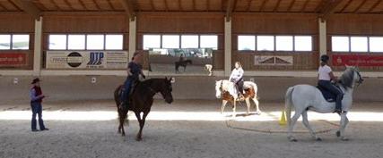 Barbara Wagner bei einem Cowboy Dressage-Kurs