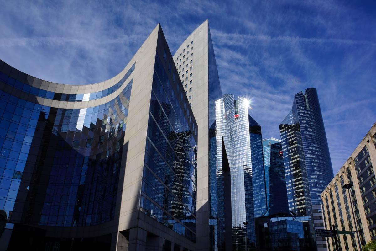 Das moderne Büro- und Banken-Viertel La Defense