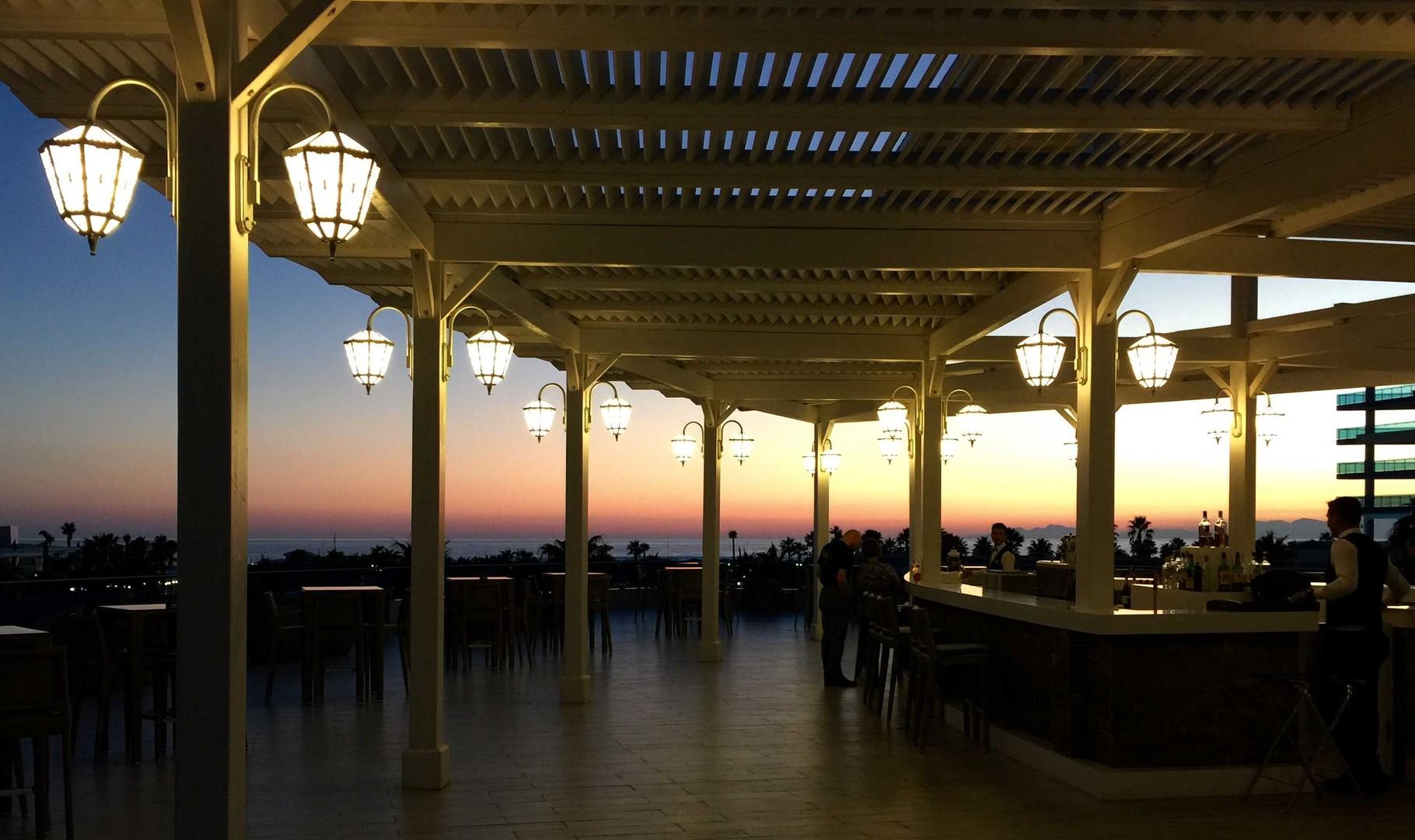 Sueno-Terrasse, Abendstimmung