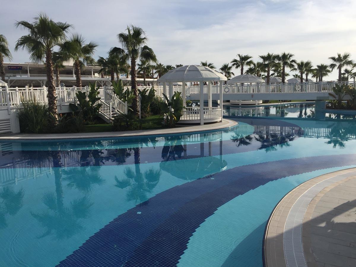 Sueno de Luxe Pool- und Park-Landschaft