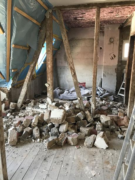 Vor der Modernisierung -Kleine Kammern ,zugige Räume