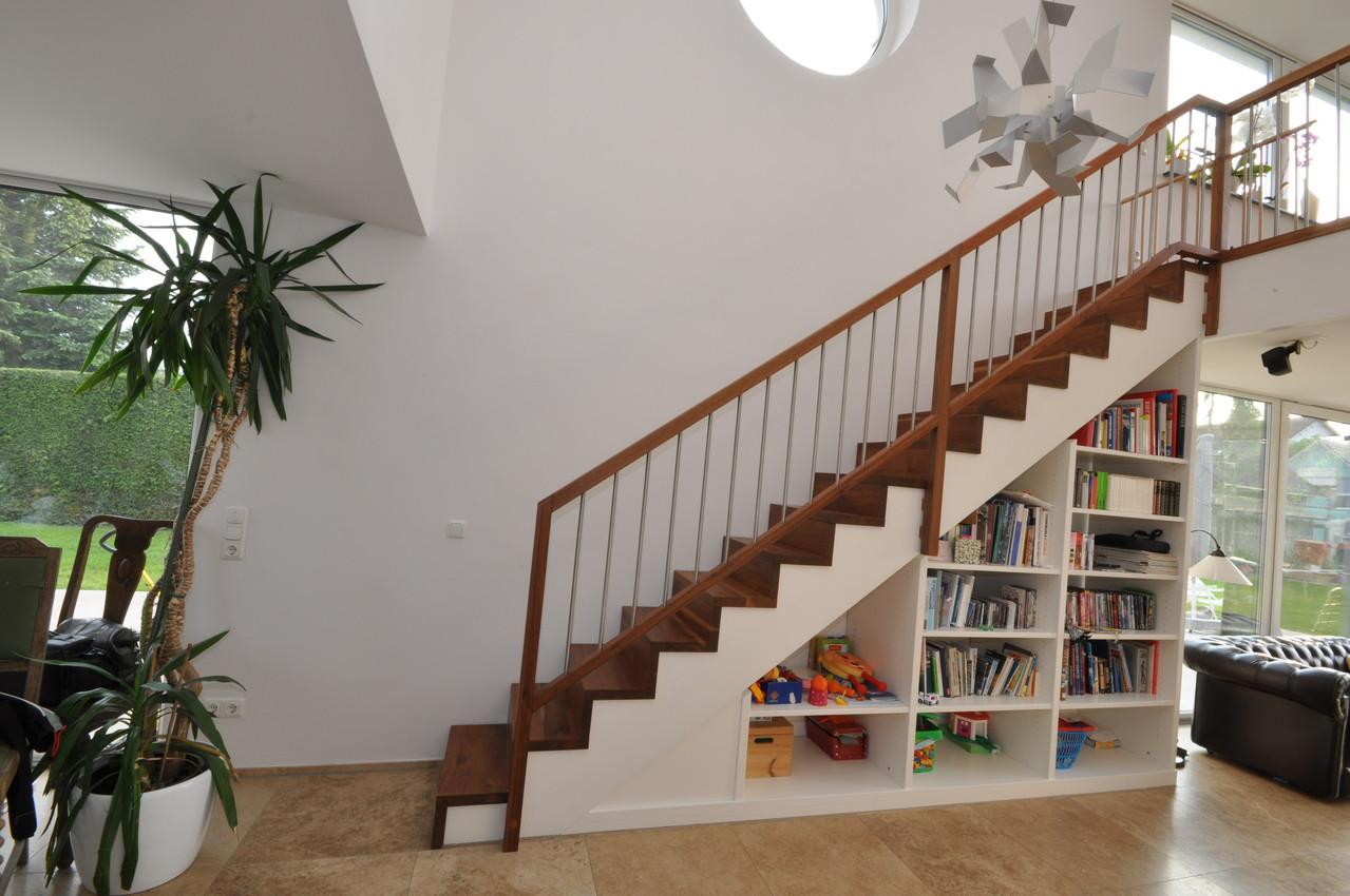 moderne holztreppen treppen treppen aus holz moderne. Black Bedroom Furniture Sets. Home Design Ideas