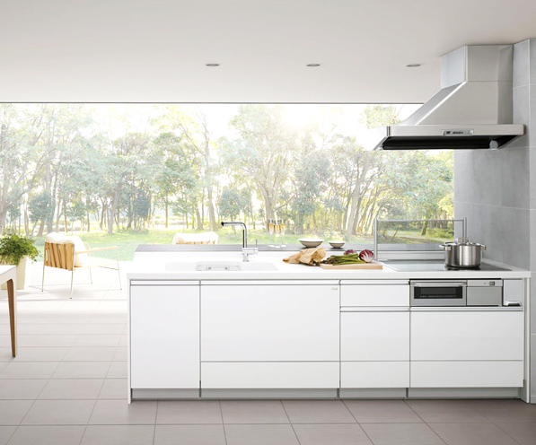 オープン型キッチンプラン / リビングとキッチンの一体感に、気持ちのいい広がりを演出します。使いやすさはもちろん、会話もはずむリビング空間に・・・。
