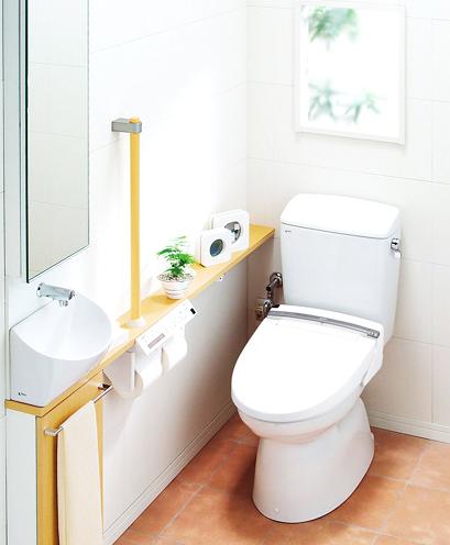 新世代のスタンダードトイレデザイン / スペースの狭いトイレ空間でも、埋め込み手洗いキャビネットで収納を確保。限られた空間を上手に使うのが新世代スタンダード。