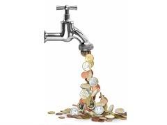 Bild von Wasserhahn, aus dem Münzen tropfen Fotolia 40117872_XS