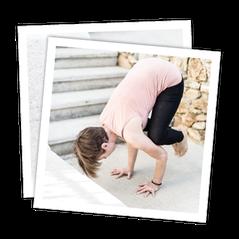 Yoga für Fortgeschrittene mit MANYO; Position: Die Krähe
