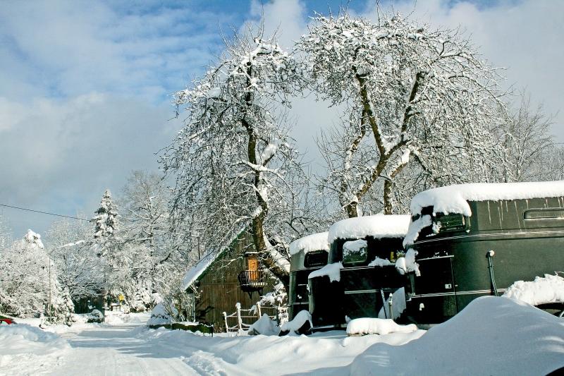 Verschneite Ortschaften