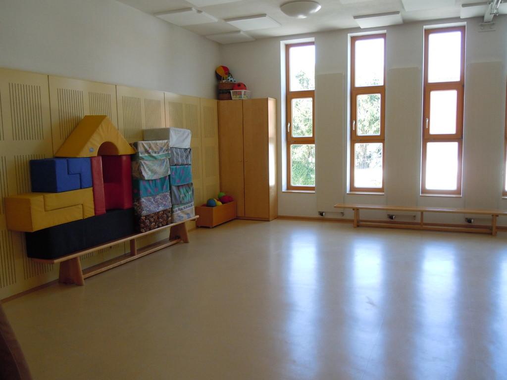Turnsaal 1