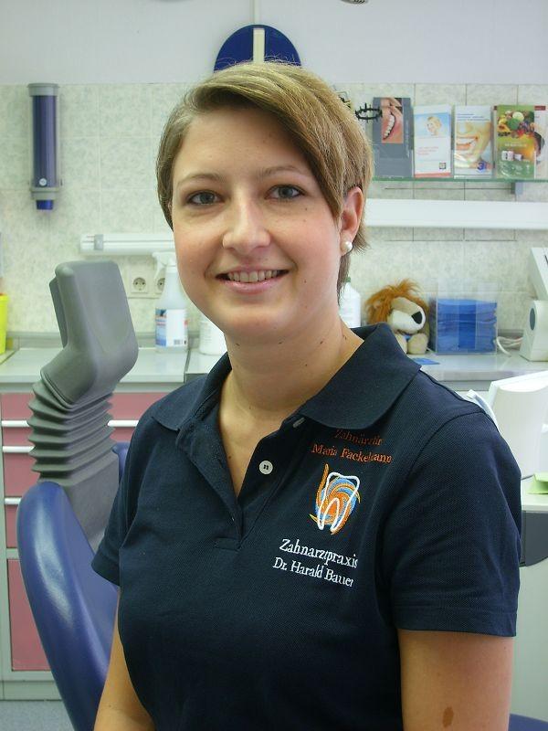 Maria Fackelmann: Zahnarztin