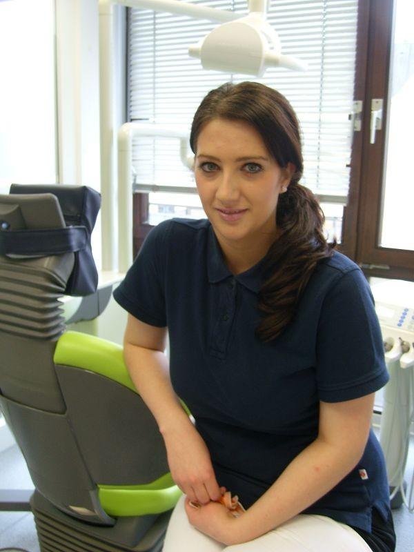 Dominique Heil, Fortgebildete Zahnmedizinische Assistentin, Assistenz und Prophylaxe