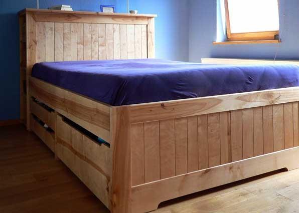 Bett mit Regal und Vollauszügen; Birke; geölt