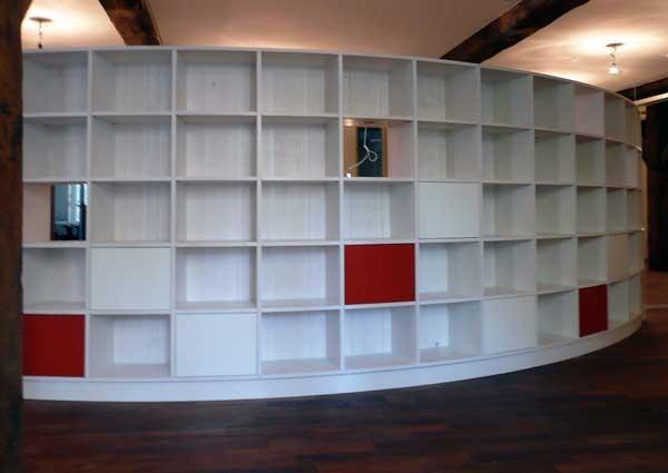 Bücherregal; Birke-Multiplex; lasiert