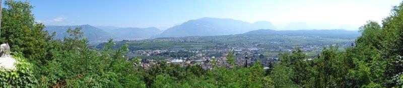Blick von der Gleifkapelle über Bozen