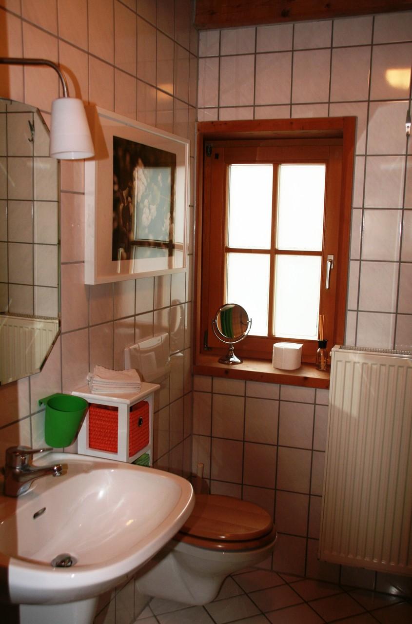 Bad mit Badewanne ©KnallerbsenHof