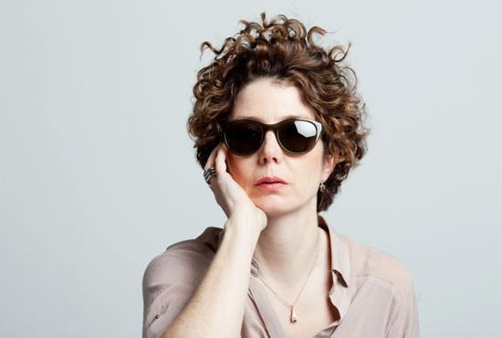 Helen Piazzitta mit Sonnenbrille