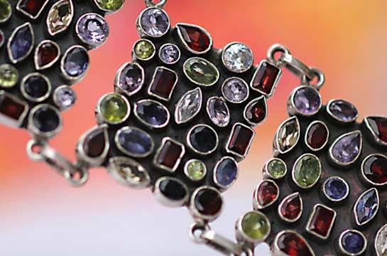 Armband aus Sterlingsilber mit Halbedelsteinen
