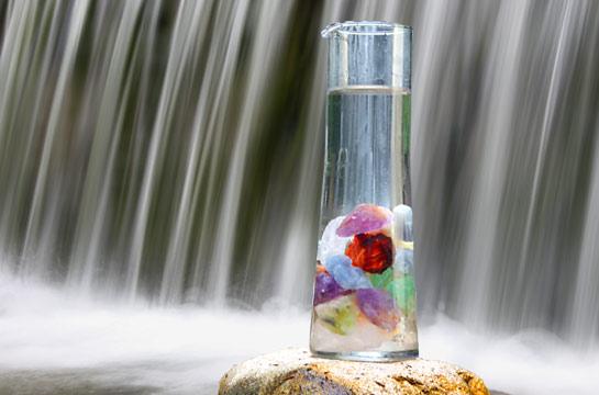 Verschiedene Steinmischungen zur Wasserbelebung