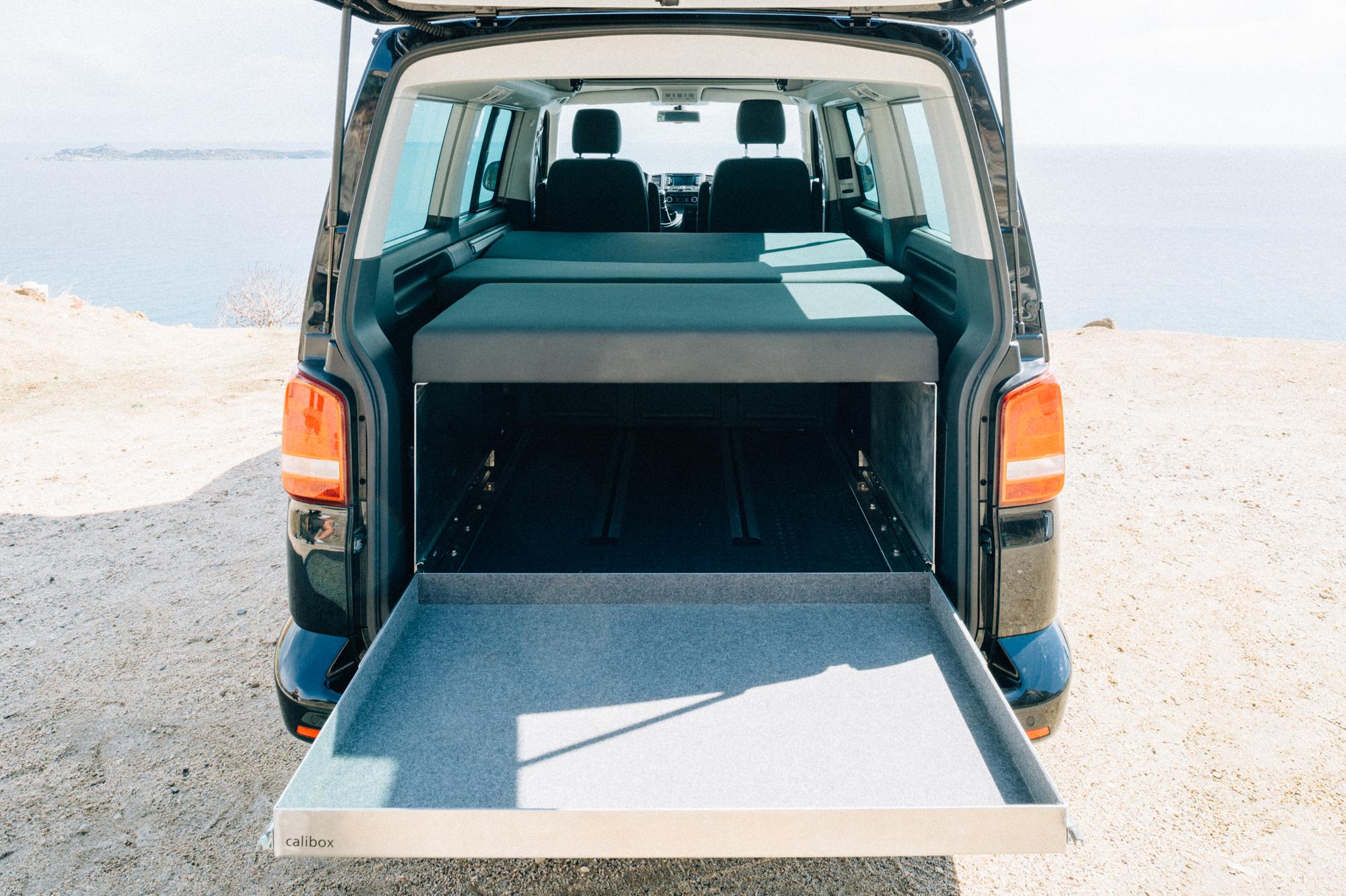 heckausz ge f r den vw t6 beach und multivan calibox. Black Bedroom Furniture Sets. Home Design Ideas