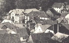 rechts oben Bierhäuschen und Heymsche Kegelbahn- Archiv W.Malek