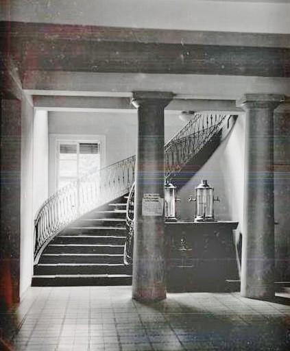 Offensichtlich wurde auch im Palais Weimar ehemals Sauerbrunnen ausgeschenkt - Repro W.Malek