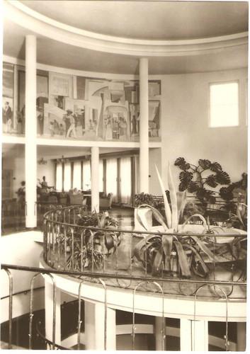 Treppenloser Aufgang mit Empfangshalle 1970 - Archiv W.Malek